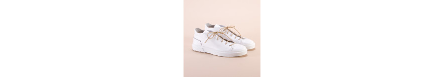 Buy online Sneakers for Men and Women - Spring/Summer Collection 2018