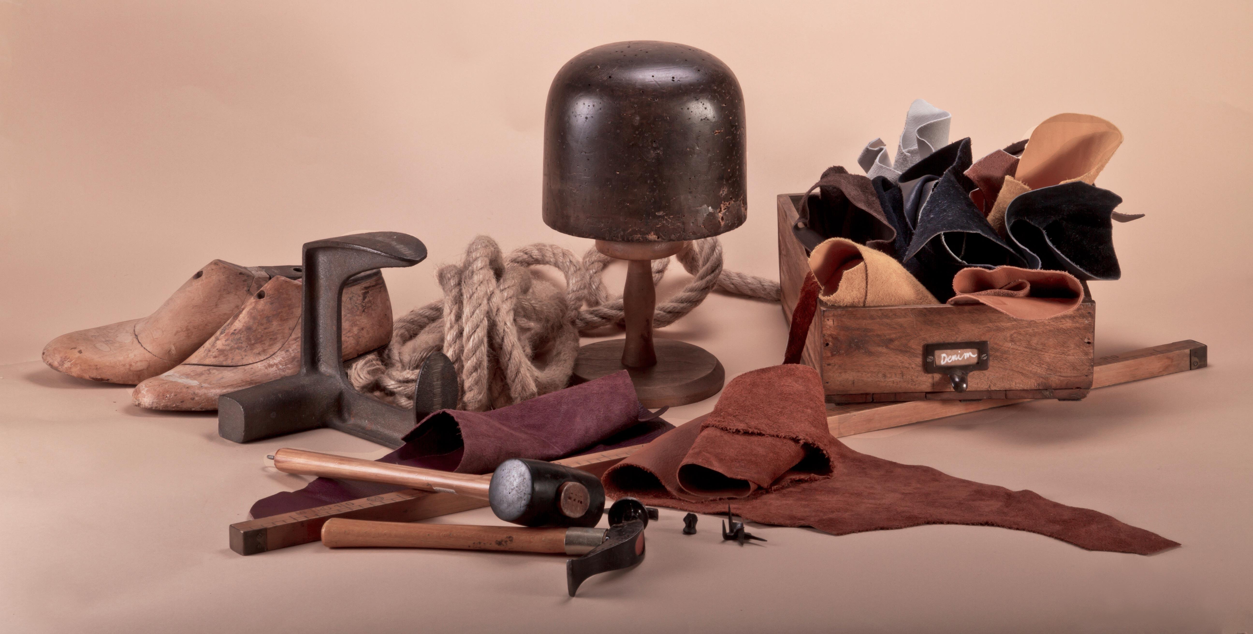 Scarpe-capi-e-accessori-moda-unici-Derna